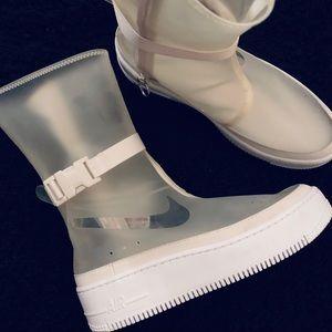 NEW Nike Womens Air Force 1 Sage HI LX Boots.